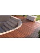 Fußbodenstreichbürste für Terrassendielen